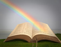 Découvrir Christ dans l'arc-en-ciel